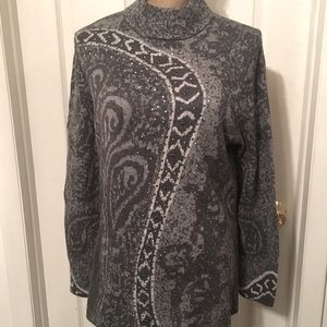 🌟CHICO'S Silver/Gray Paisley Printed Turtleneck L